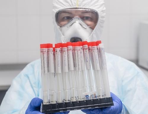 Биолог Баранова оценила две конспирологических теории возникновения коронавируса: «Доктор Зло и мыши»