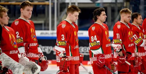 Почему белорусские хоккеисты уехали домой на автобусе
