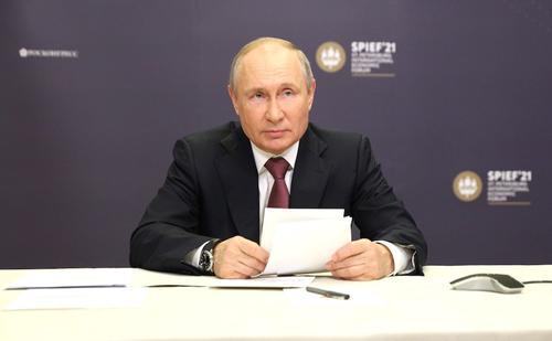 Путин сравнил «Северный поток – 2» с транзитом газа через Украину и Словакию