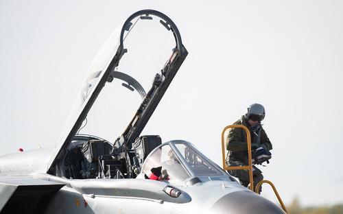 Baijiahao: попытка ВВС США удивить Россию пролетом ста истребителей НАТО над Европой обернулась провалом