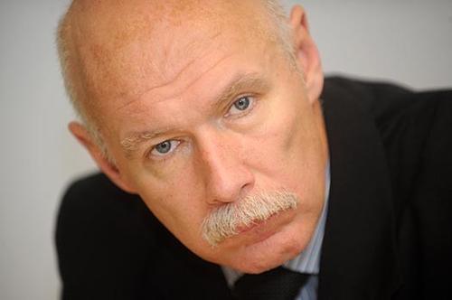 Латвийский врач: Государственный внешний долг в размере 15 млрд евро ляжет на плечи пенсионеров