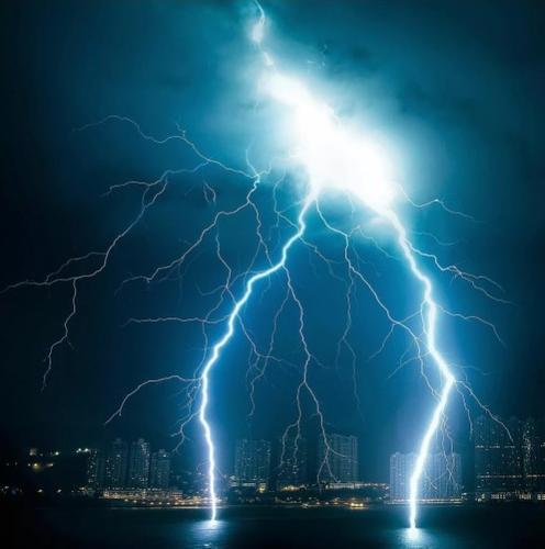 Абу-Даби протестирует технологию, способствующую выпадению дождей