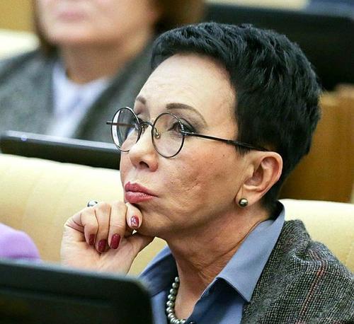 Депутат Лариса Кармазина назвала инсульт причиной смерти Ларисы Шойгу
