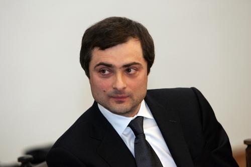 Владислав Сурков считает, что Украину можно вернуть силой