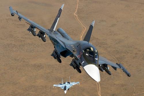 Опубликованы видео из районов ударов ВКС РФ по джихадистам в Сирии после подрыва боевиками российской бронемашины