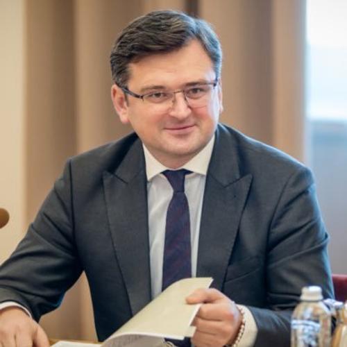 Глава МИД Украины Дмитрий Кулеба заявил о сложности организации встречи Путина и Зеленского