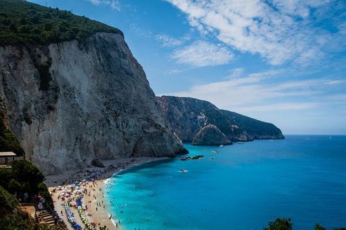 Эпидемиолог Папаевангелу сообщила, что туристам, привитым вакциной «Спутник V», разрешен въезд в Грецию