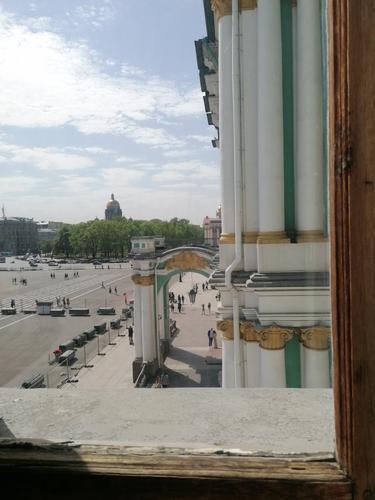 В Санкт-Петербурге ужесточили ограничения из-за коронавируса