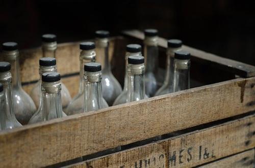 Общественный деятель Хамзаев предложил ужесточить наказание за покупку спиртного детям