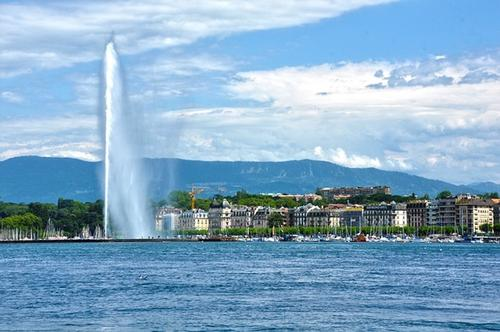 В Женеве приземлился самолет с российской делегацией и журналистами