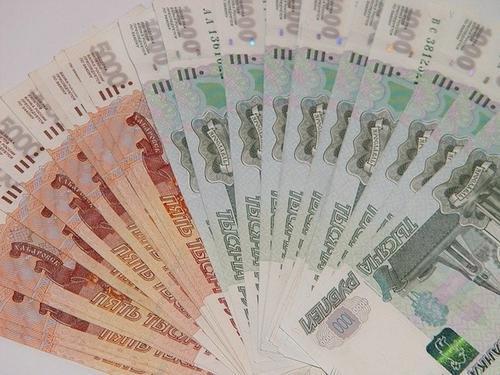 Путин поручил кабмину дать право на выплату пособия на ребенка опекуну