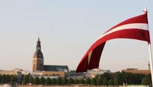 Президент Латвии: «Правительство действует, спотыкаясь и падая, но в правильном направлении»