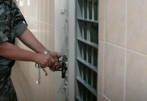 В Новосибирске суд избрал меру пресечения в виде домашнего ареста инженеру газовой АЗС