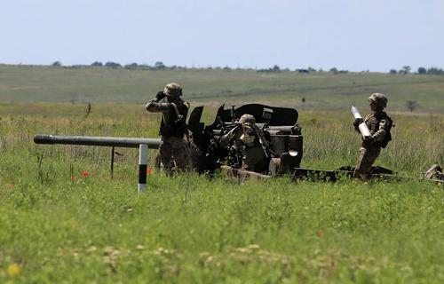Экс-помощник министра обороны Украины Селиванов: присоединить ДНР и ЛНР России мешают киевские войска в Донбассе