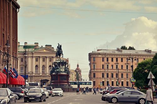 В Санкт-Петербурге с 21 июня вводятся дополнительные ограничения из-за коронавируса