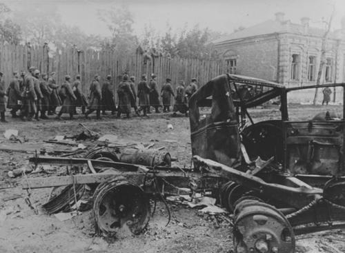 Историк Михаил Мягков: о причинах поражения Красной армии в начале Великой Отечественной войны