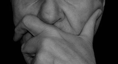Оториноларинголог Зайцев заявил, что воспаление слизистой заставляет переболевших COVID-19 чувствовать запах гнили