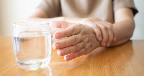 Современные препараты позволяют отложить развитие болезни Паркинсона и продлить активный период жизни