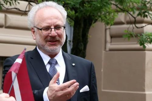 Депутат Сейма Алдис Гобземс: Правящие выдавили из Латвии сотни жителей, а у нас все «Путин виноват»