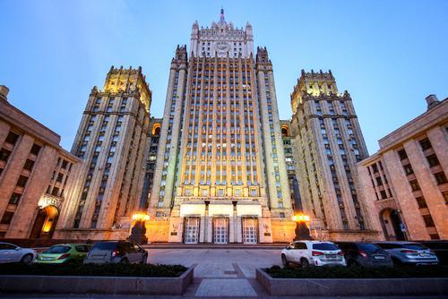 Британский посол будет вызван в МИД РФ после инцидента с эсминцем в Черном море