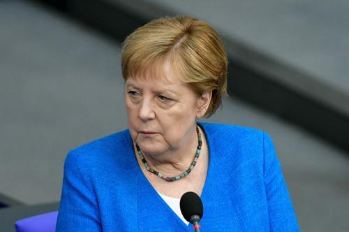 FT: Меркель предложила пригласить Путина на встречу лидеров стран ЕС