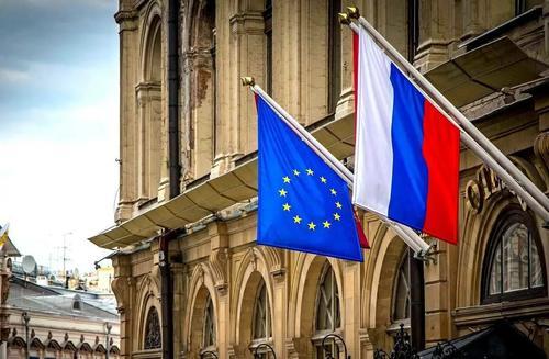 Инициативу Меркель о возобновлении взаимодействия с Россией не поддержали в ЕС