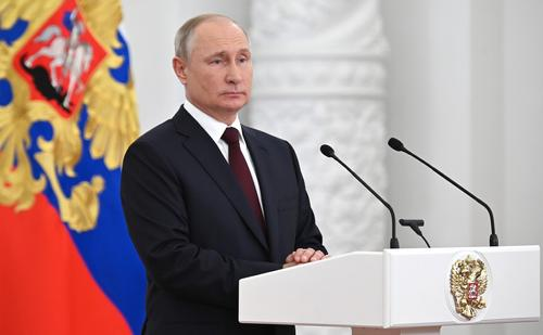 Путин заявил об отсутствии поддержки обязательной вакцинации от COVID-19 с его стороны
