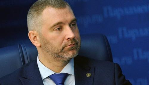 Вадим Коженов пояснил, почему МВД РФ предлагает отменить разрешение на временное проживание мигрантам