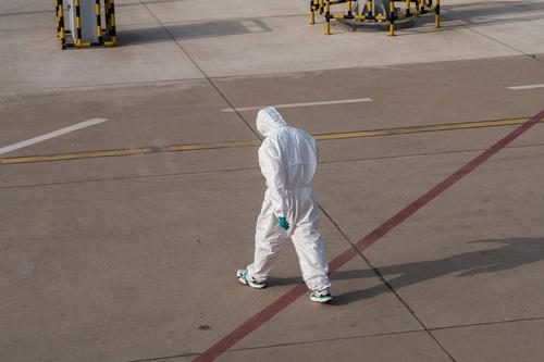 Инфекционист Тимаков: в России коронавирусом стали заражаться по третьему разу