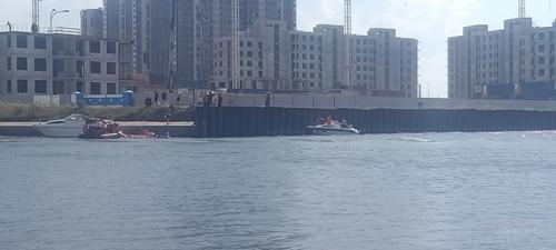 Один из девяти пострадавших при столкновении катера в Санкт-Петербурге с металлическим заграждением скончался