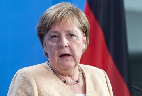Меркель сообщила, что Германия намерена выделить Украине 1,5 миллиона доз вакцины против COVID-19