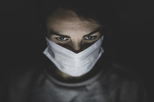 Биолог Нетесов заявил, что защититься от коронавируса без масок и прививки можно с помощью скафандра с фильтрами