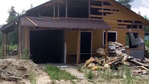 Частная тюрьма и крематорий Эскобара в Ленобласти поспешно уничтожены