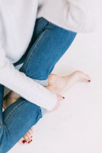 Специалисты медклиники: жировые наросты на пальцах ног могут указывать на высокий уровень холестерина