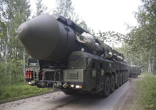 В Ивановской области стратегические ядерные комплексы «Ярс» вышли на маршруты боевого патрулирования, в рамках учений