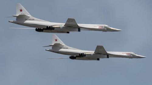 ВВС Норвегии подняли в воздух свои истребители на перехват двух российских Ту-160