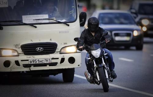 Рижская дума и МВД Латвии будет бороться с громкими мотоциклами