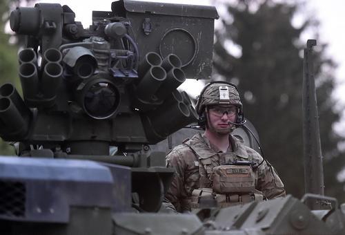Виктор Баранец: НАТО может разместить ракеты на Украине, если она превратится в «полностью фашистскую» страну