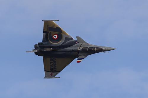 Сайт Avia.pro: российский Су-35 впервые проиграл в учебном бою французскому истребителю Dassault Rafale