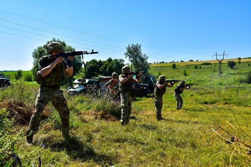 Ветеран ДНР «Суровый»: ВСУ «обломают зубы» о военных республик Донбасса в случае наступления Киева