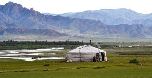 Первая замгоссекретаря США Шерман встретилась в Монголии с местными властями и ЛГБТ-активистами