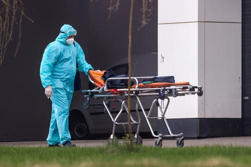 В России за сутки скончались 779 пациентов с коронавирусом