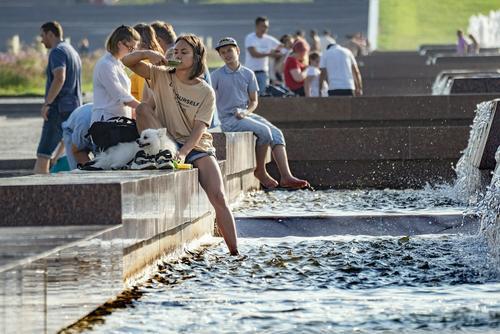 Синоптик Синенков предупредил, что в понедельник в Москве воздух прогреется до +27 градусов