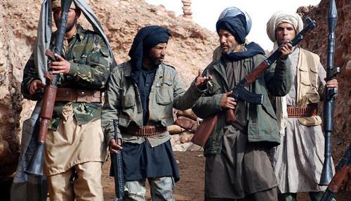 Тысячи людей бегут из Афганистана опасаясь победы талибов