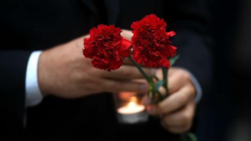 Политика Виктора Алксниса не пускают в Латвию на похороны матери