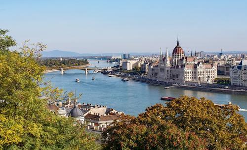 МИД Венгрии сообщил, что привитые от COVID-19 россияне могут въехать в страну без ПЦР-теста