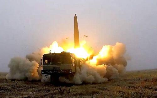 В Калининградской области «Искандеры» отработали ракетный удар по вероятному противнику