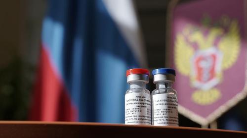 Глава комитета по здравоохранению Петербурга Лисовец сообщил, что несколько привитых от COVID-19 человек умерли