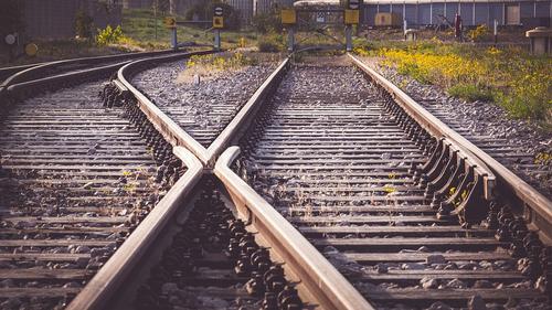 Авария с участием пассажирского поезда Адлер — Москва и грузовика произошла под Калугой