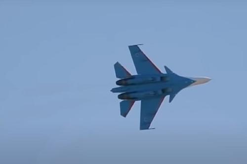 На Дальнем Востоке потерпел крушение истребитель Су-35 поколения 4++, лётчик катапультировался и остался жив